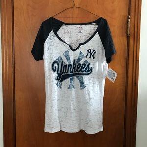 NWT Yankees Tee